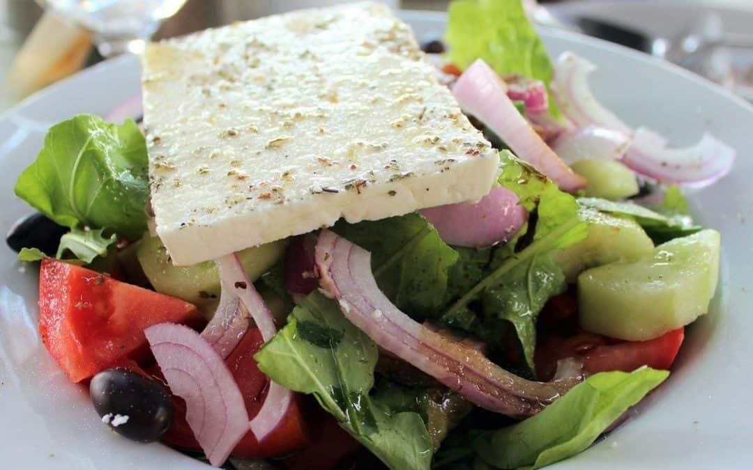 HOW TO MAKE HORIATIKI SALAD ( GREEK SALAD)