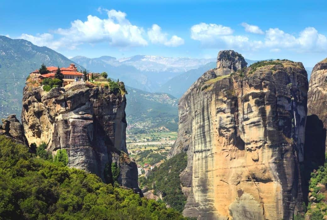 HIGHLIGHTS OF METEORA TOUR AND SURROUNDS – AMAZING MONASTARIES, BATTLEFIELDS, WATERFALLS AND MORE